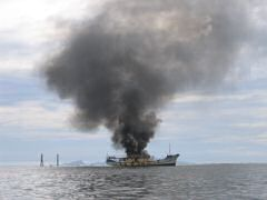 Fishing boat burned for hours